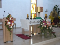 Der Altar im Zentrum