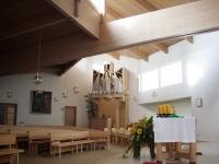 Die Holzkonstruktion der 1989 geweihten Kirche
